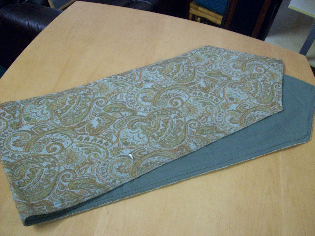 Table runner 3365