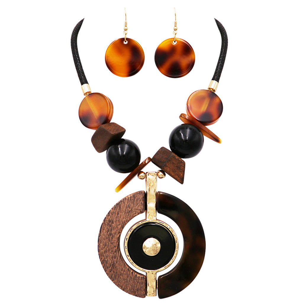 Rosemarie Collections Women's Statement Resin and Wood Medallion Center Necklace Earrings Set