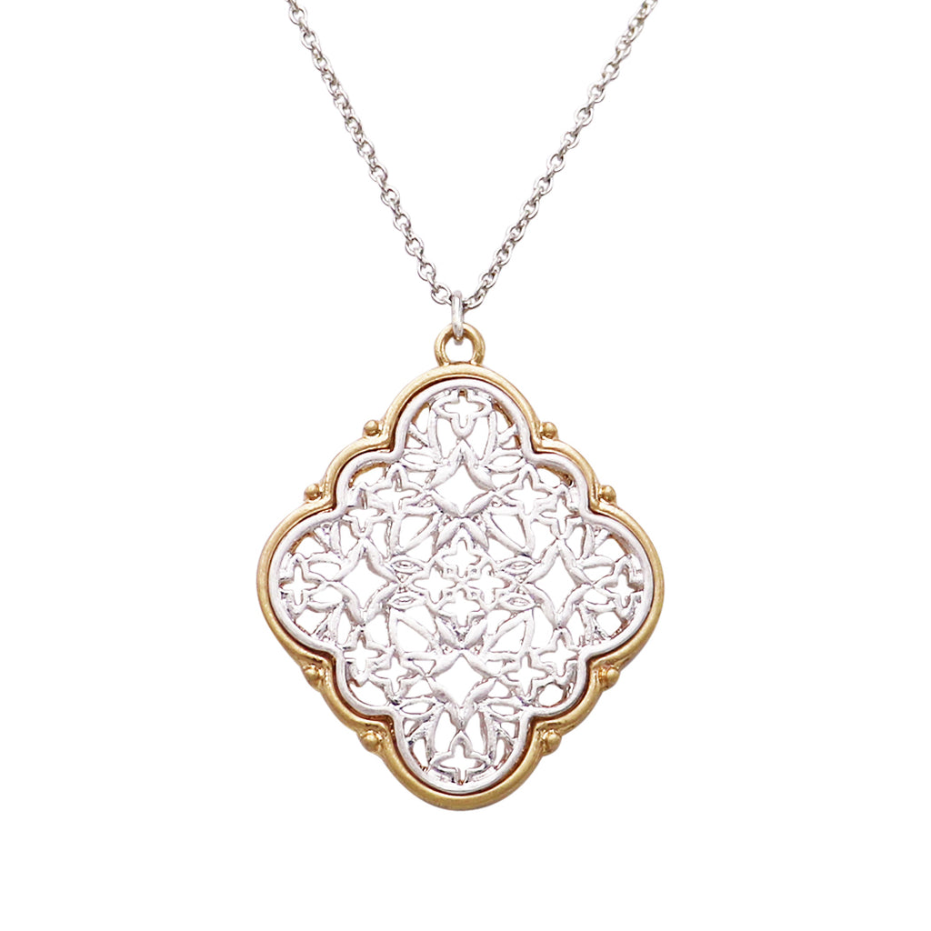 Two Tone Metal Filigree Quatrefoil Pendant Necklace (Silver)