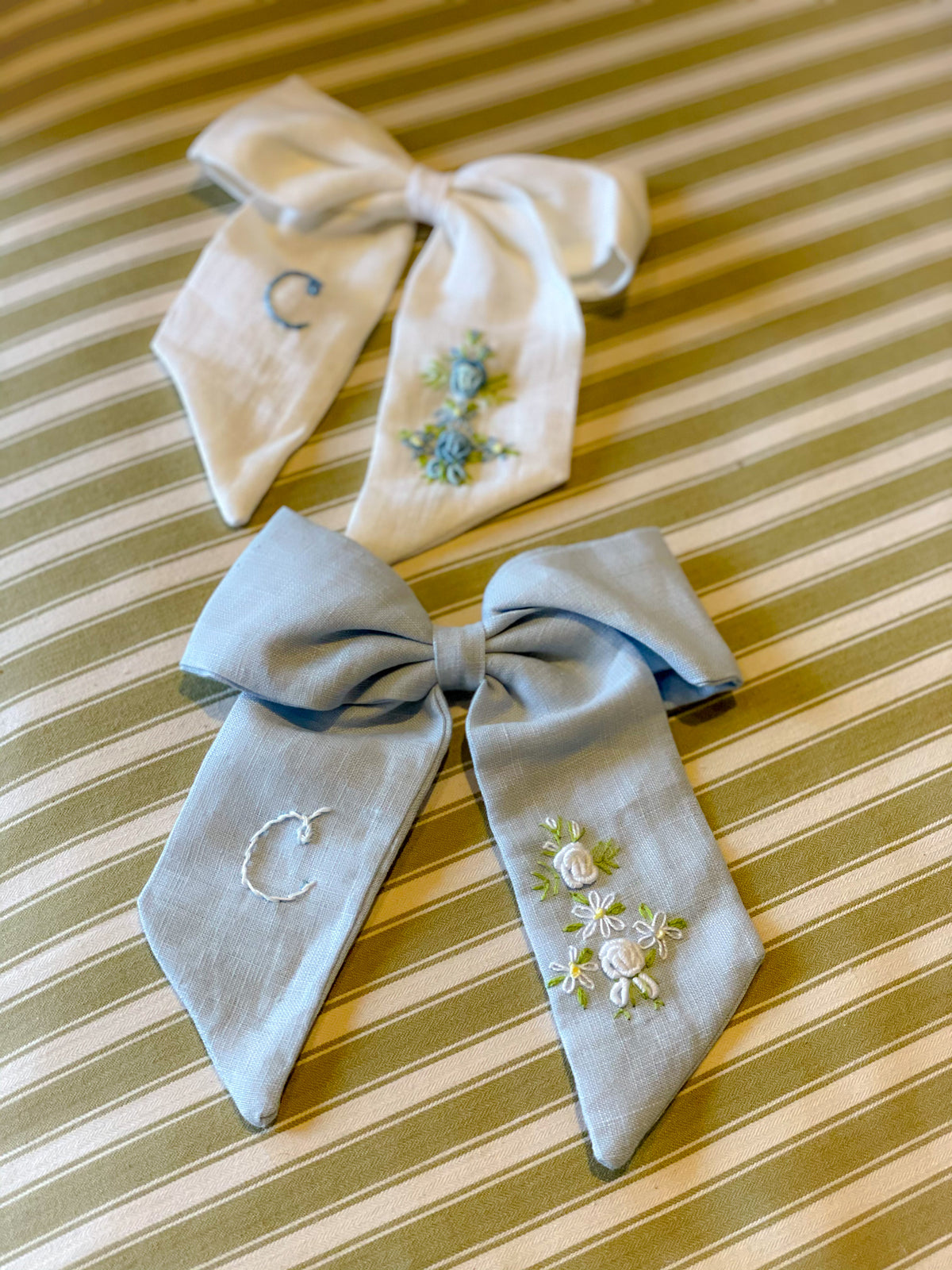 Large Linen bow