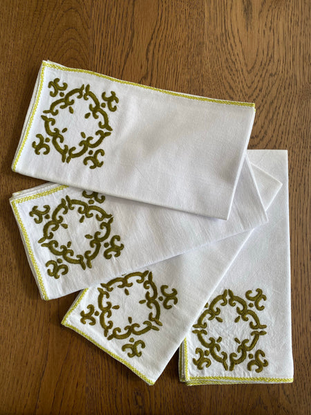 Set of 4 Olive Tile dinner Napkins