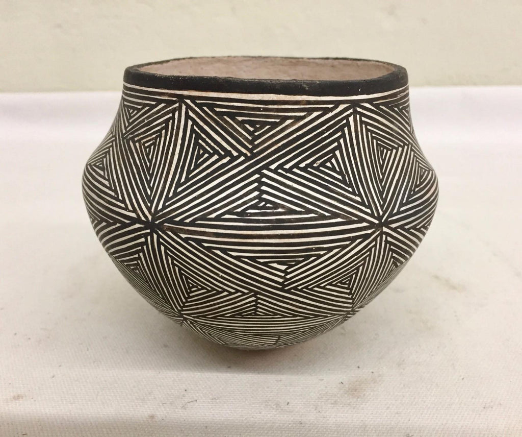 Native American, Vintage Acoma Pottery Bowl, by Lucy Lewis (1898-1992, Ca. 1960's, #1442
