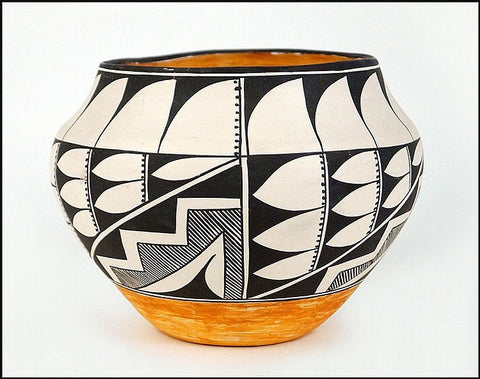 Acoma Pottery : Acoma Pottery Jar, Signed by N.M.E. Peters #41-Sold