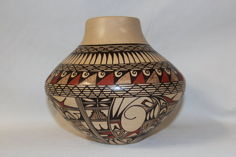 American Indian Art : Native American Hopi Pottery Jar, signed by Jofern Puffer #67