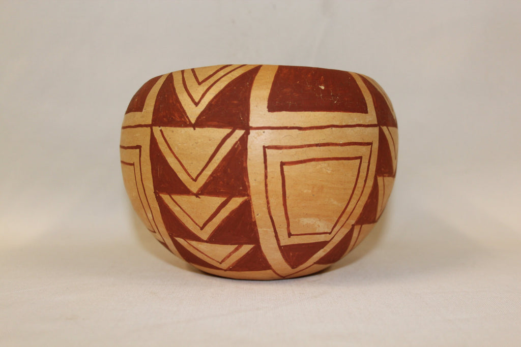 Native American Pottery : Native American Mojave Pottery Bowl, signed by E. Gates #118
