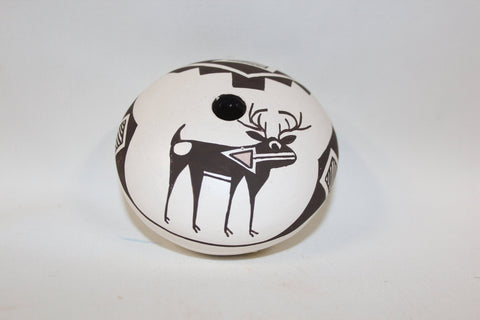 Southwest Pottery : Native American Acoma Pottery Seed Pot, signed by Dolores Lewis #148 Sold