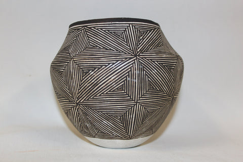 Acoma Pottery : Native American Acoma Pottery Jar, by Lucy Lewis #175-Sold to Larry
