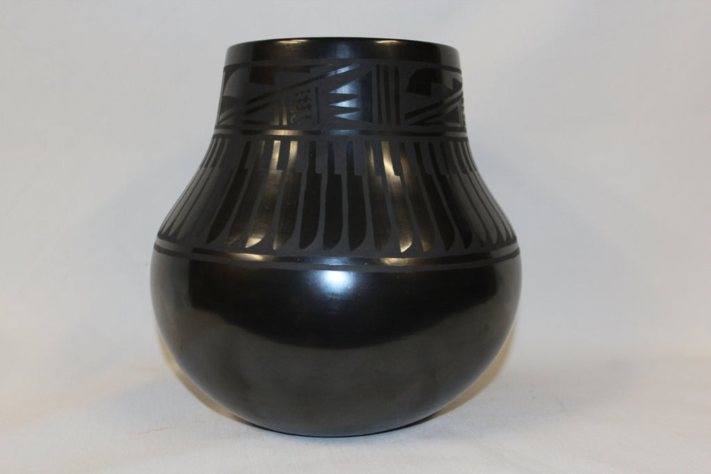 Blackware : Excellent Native American Large San Ildefonso Black ware Jar, by Florence Marengo #208