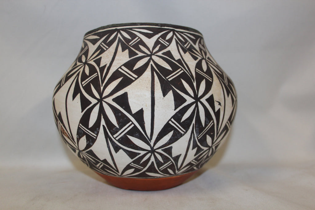 Acoma Pottery : Outstanding Acoma Polychrome Pottery Olla with Interior Banding #258