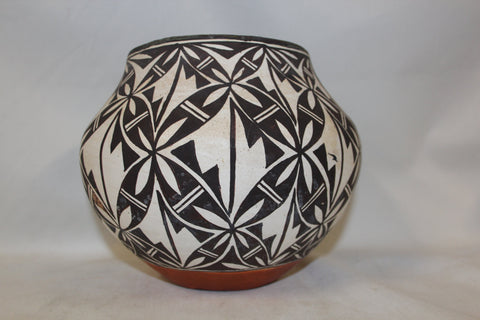 Acoma Pottery : Outstanding Acoma Polychrome Pottery Olla with Interior Banding #258 Sold