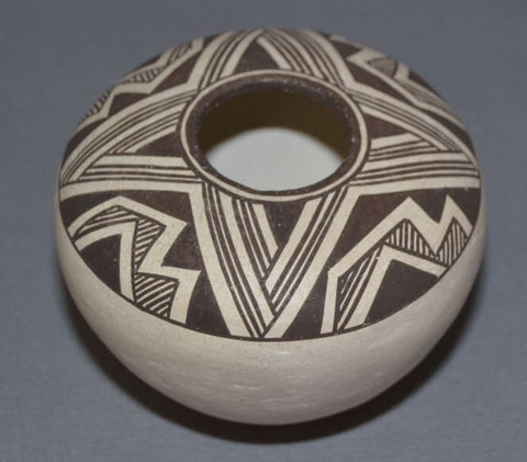 Acoma Pottery : Very Good Acoma Pottery Seed Jar by Lucy Lewis #283