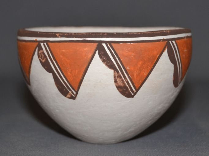 Acoma Pottery : Very Good Acoma Pottery Bowl by Lucy Lewis #282