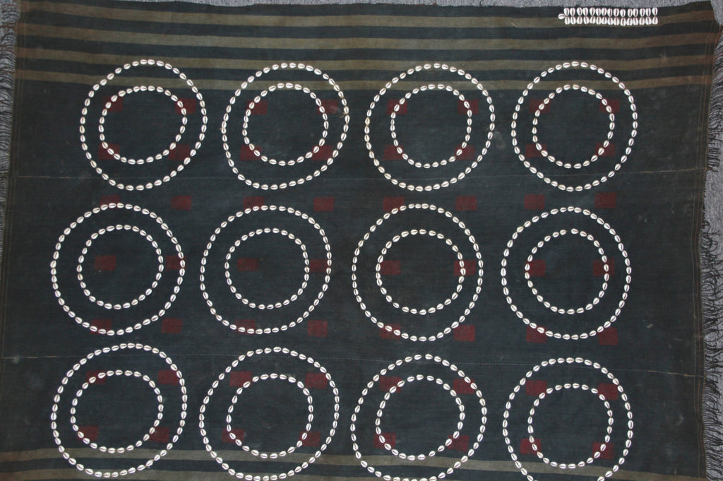Textile : Authentic Chang Naga Warrior‰۪s Very Old Body Cloth with Double Cowry Shell Circles & Rows of Cowries Denoting Sexual Stature #659