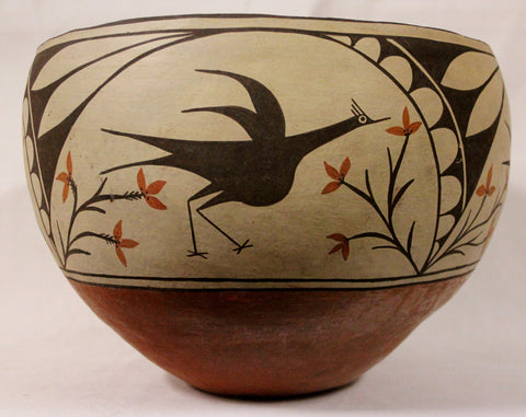 Zia : Magnificant Zia Pottery Pot, by Candelaria Gachupin #440 hold for Leslie