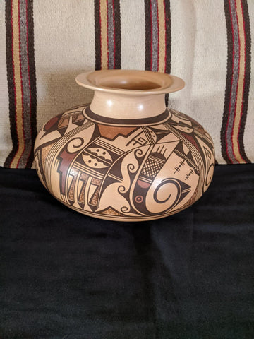 Native American, Extraordinary Large Tradition Hopi Polychrome Pottery Jar, with Humming Bird Figures, by Dee Setalla, # 1611