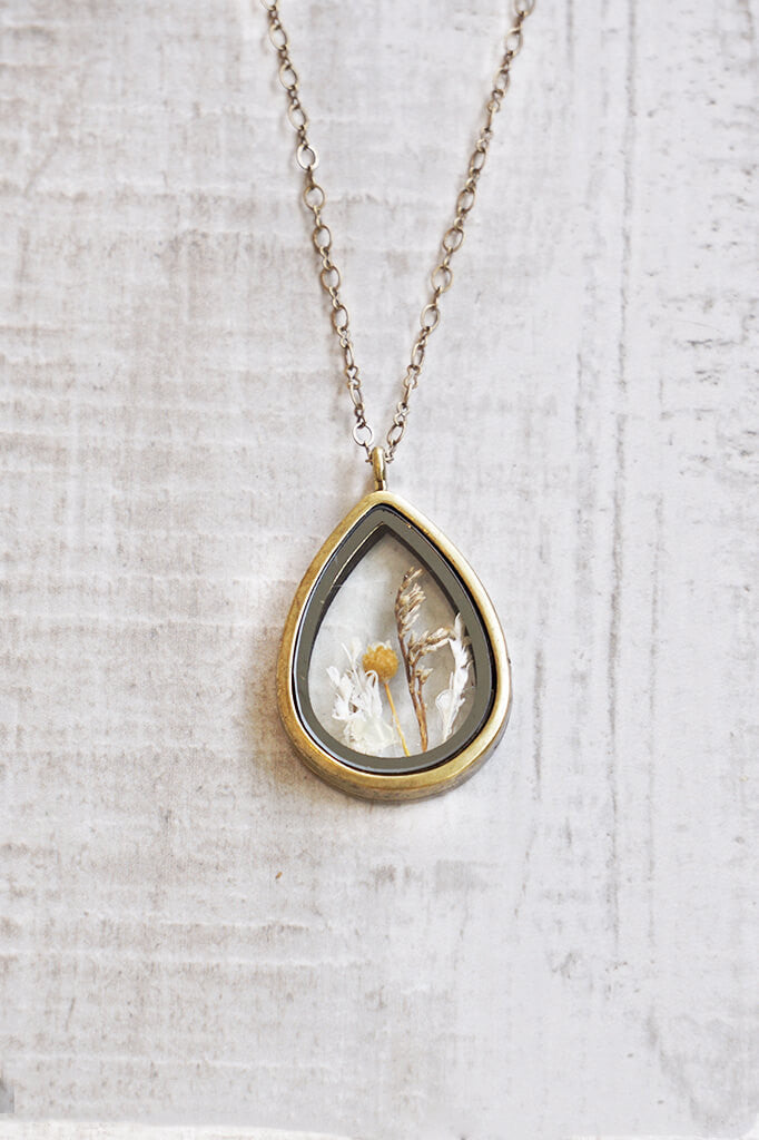 Dried Flower Pendant Case Necklace - Gold
