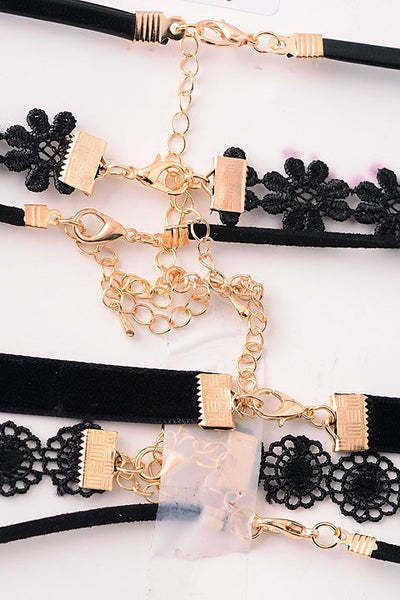 More or Less Choker Set