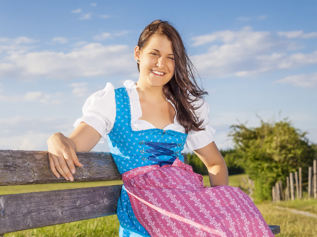 f013471350a The dirndl emerged in Germany during the 18th century and was also intended  for working peasants. This female Tracht was designed to be a maid s dress  for ...