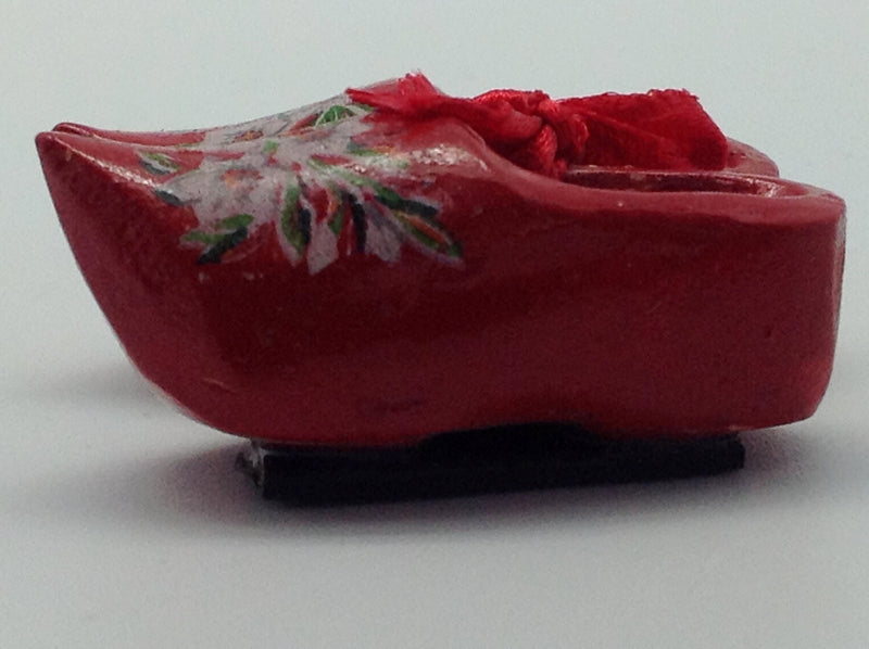 Unique Magnet Dutch Clogs Red 1.75 inches - Below $10, Collectibles, CT-600, Decorations, Dutch, Home & Garden, Kitchen Magnets, Magnets-Refrigerator, PS-Party Favors, PS-Party Favors Dutch - 2