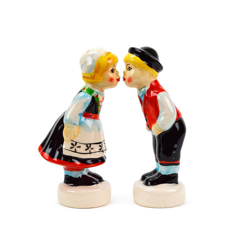 Cute Salt & Pepper Shakers Norwegian Sitting Couple
