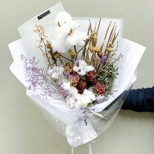 Snow White (Dry Flower Bouquet)
