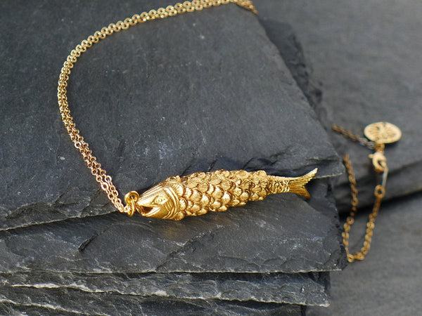 Swimming Fish Pendant on Chain - Gold Plated - cibola