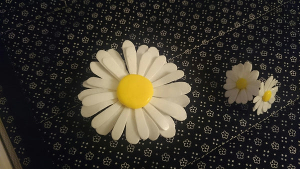 Daisy Earrings and Pendant