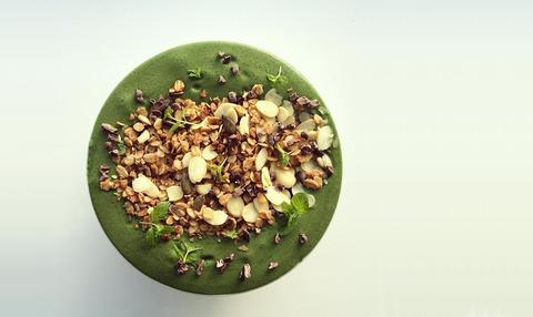 Chocolate Mint Smoothie Bowl
