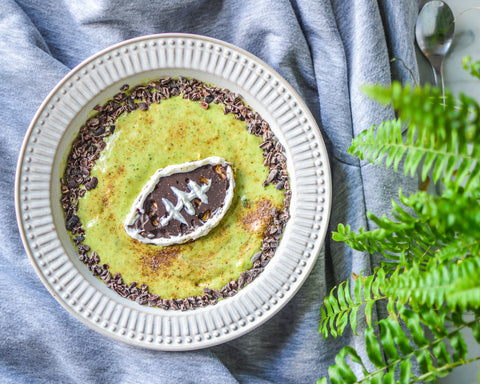 NFL Themed Green Smoothie Bowl Recipe | Neat Nutrition. Clean, Simple, No-Nonsense Protein.