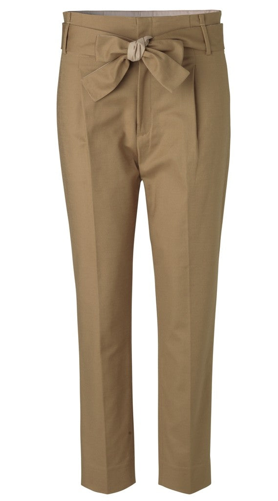 STRETCH PANTS WITH TIE BELT
