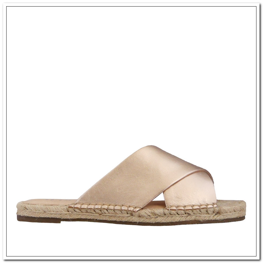 Jesinta Metallic Slide