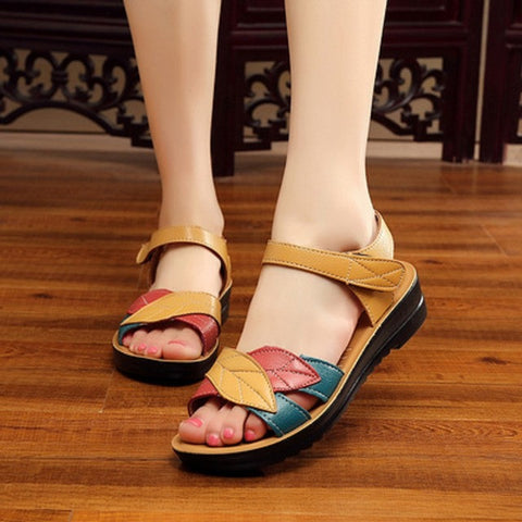 2017 summer new mother sandals soft bottom anti-skid flat with middle-aged fashion sandals flat comfortable women's shoes 35 41 - Raja Indonesia