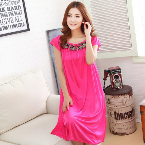 2015 spring and summer long section of lace applique new nightgowns, fashion ice silk ladies 6 color, free home delivery - Raja Indonesia