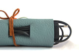 charger wrap grass and canvas leer reis product ideaal op reis