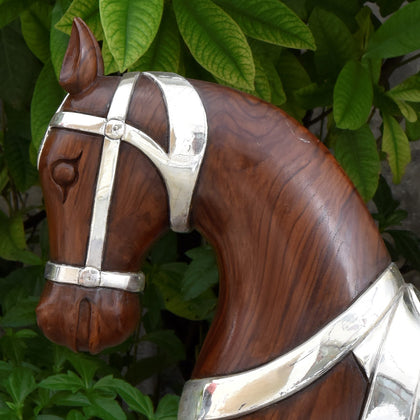 Semi Clad Trotting Horse - Brown