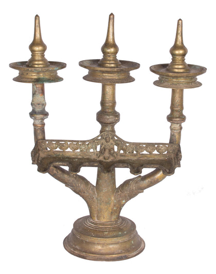 Kavara Vilakku (Three Branch Oil Lamp)