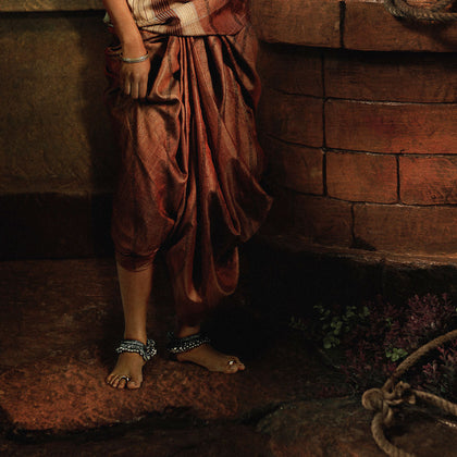 A Mysore Lady Near the Well (Aditi Rao Hydari), 2009,[product_collection],Tasveer,Rohit Chawla - Artisera