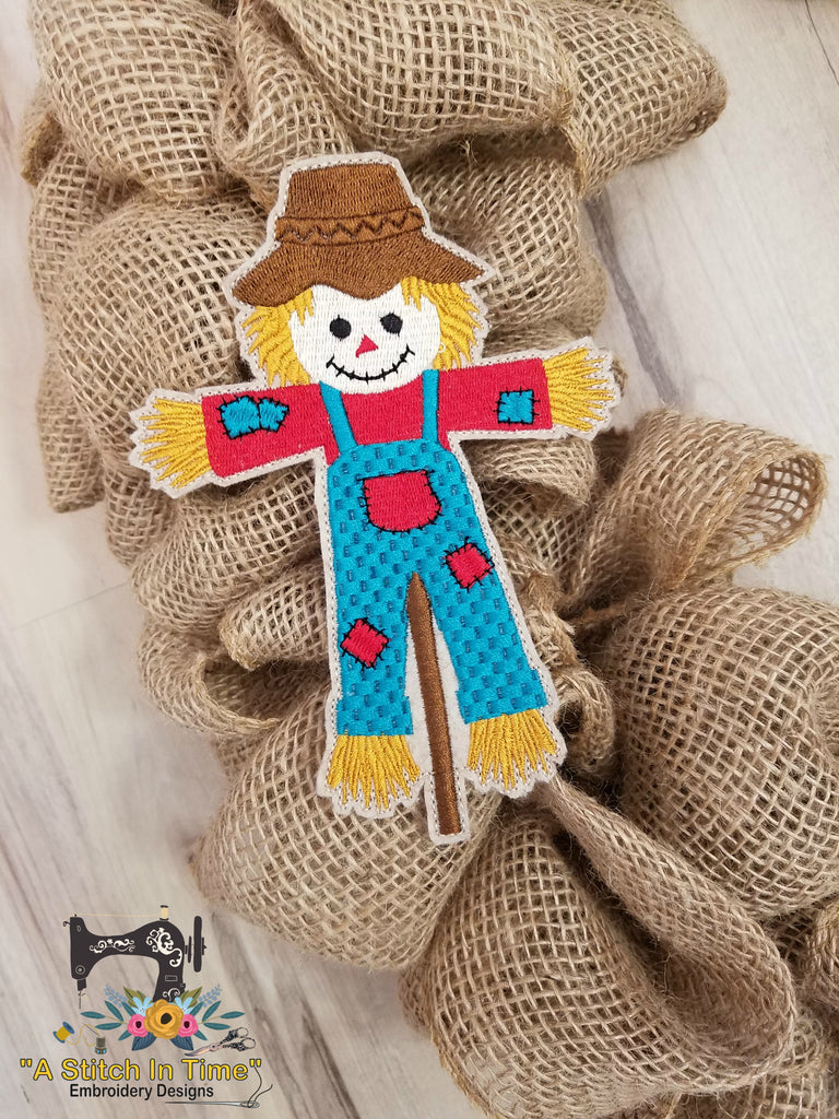 ITH Wreath Decor Scarecrow for 5x7 hoop
