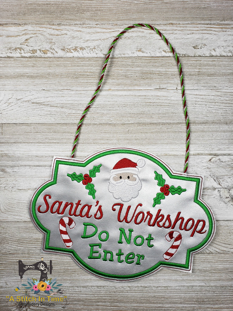 ITH Santa's Workshop Sign (fits most 8x12 hoops)
