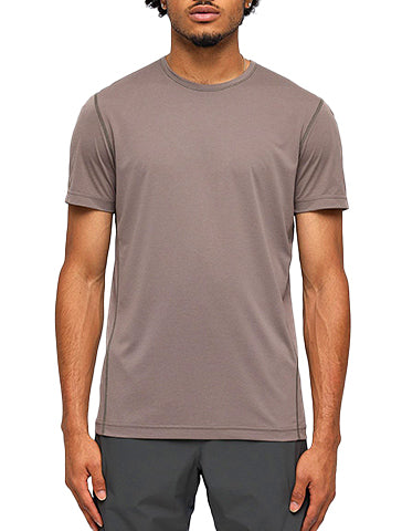 DELTAPEAK TRAINING SHIRT - REIGNING CHAMP