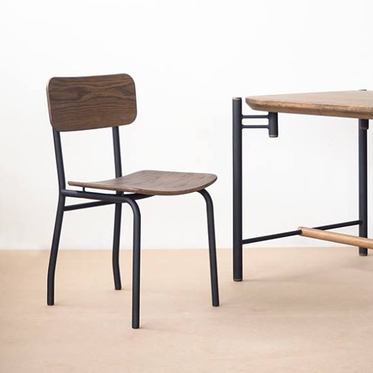Flo - Offset Chair