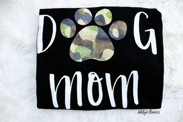 DOG MOM - Camo Paw Print T-Shirt