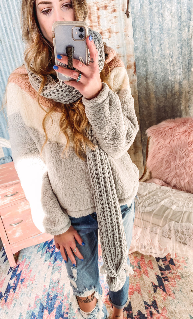 Knitted Pom Scarf- Light Gray