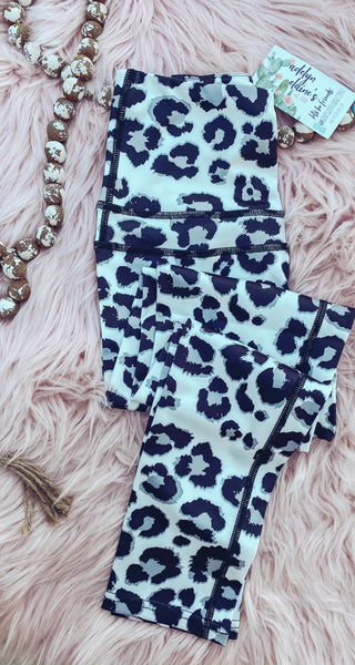 Leopard Print - Leggings small left