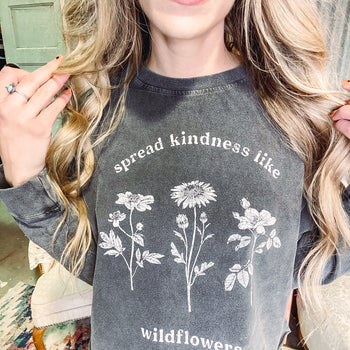 Spread Kindness - Cropped Long Sleeve