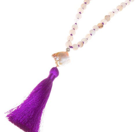 DRUZY AGATE, DIAMOND & BAROQUE PEARL ON VIOLET SILK