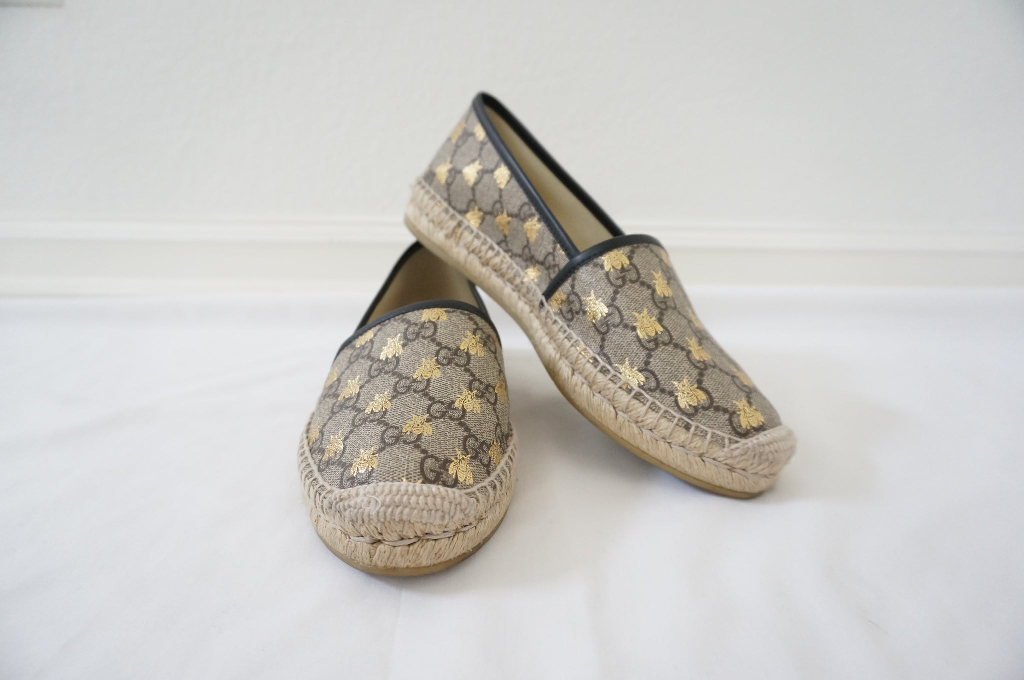 GUCCI SIGNATURE BUMBLE BEE ESPADRILLES