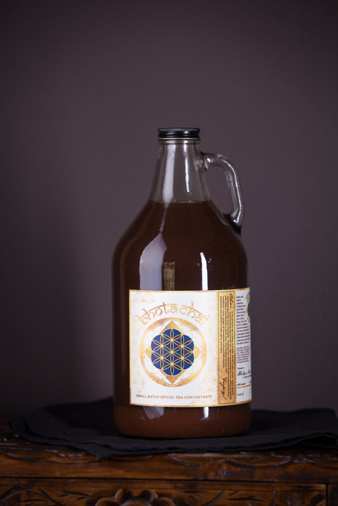 Chai concentrate growler, 64 oz.