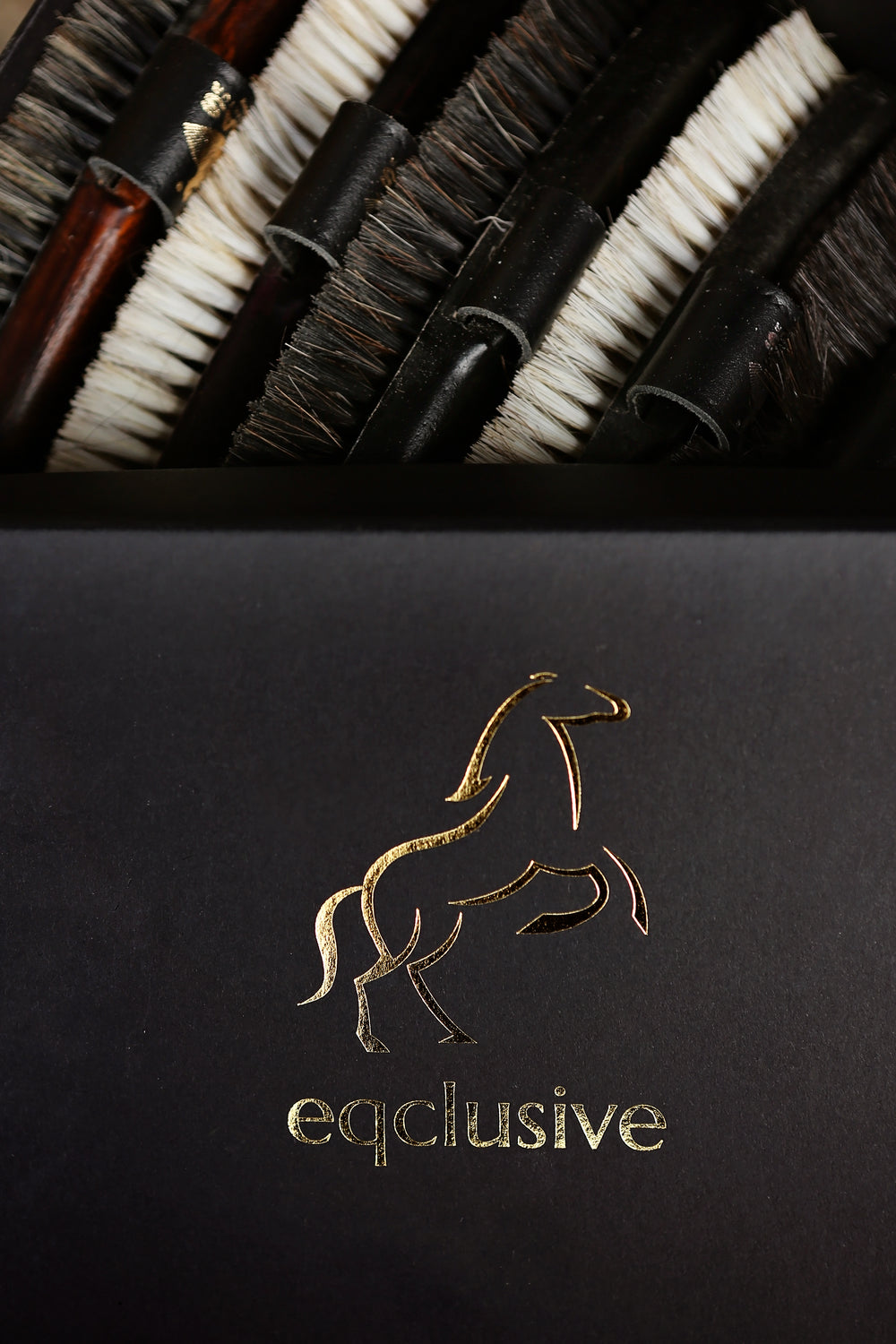 Eqclusive Chestnut Horse Pack ©