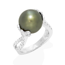 画像をギャラリービューアに読み込む, Tahitian Black Pearl Ring with Diamond in 18K White Gold